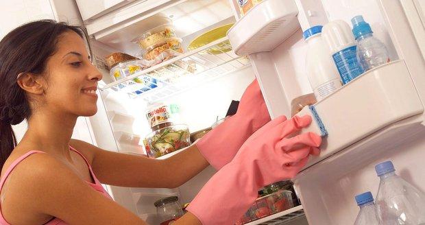 Ucet zbaví ledničku všech bakterií i nepříjemného zápachu.