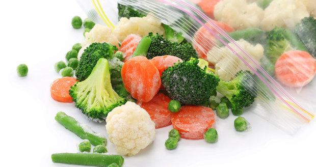 Mražená zelenina je ihned připravena k použití v kuchyni.