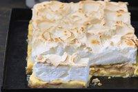 Luxusní dezerty první republiky: Roláda, dort s ořechy a bezé s krémem!