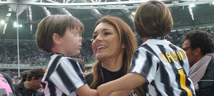 Alena Šeredová se svými syny, které má s italským fotbalovým reprezentantem Gianluigi Buffonem