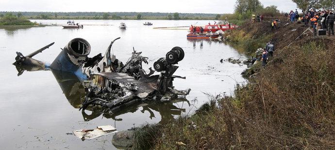 V troskách Jaku-42 zahynulo 44 cestujících ze 45