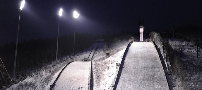 Můstky v Harrachově, kde se na jaře 2014 uskuteční mistrovství světa v letech na lyžích