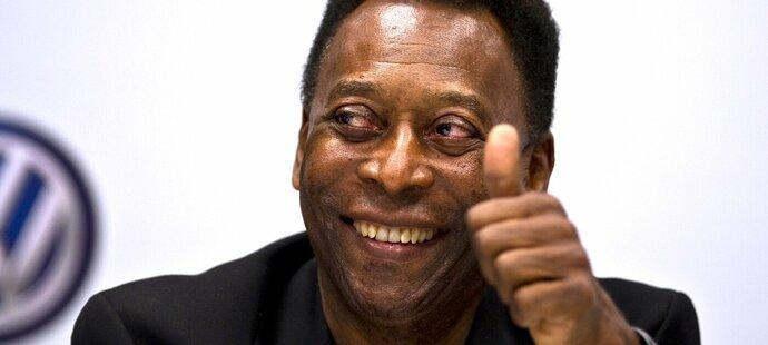 Daří se mi dobře, napsal Pelé na svém oficiálním účtu na Twitteru