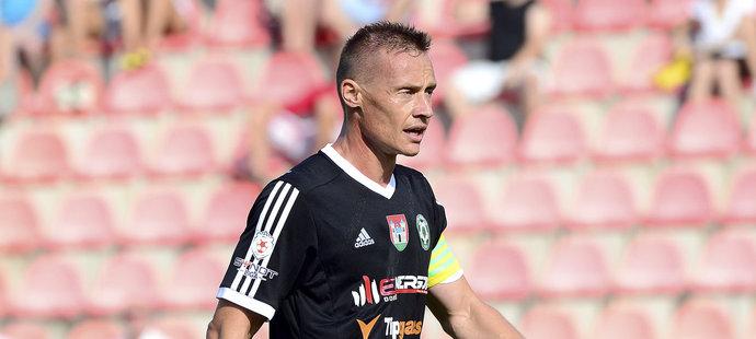 Tomáš Zápotočný Příbram oslabil vyloučením. To, že dostal v Brně červenou kartu se mu ale vůbec nelíbilo.