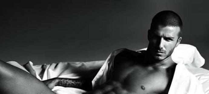 David Beckham v reklamě na spodní prádlo Emporio Armani.