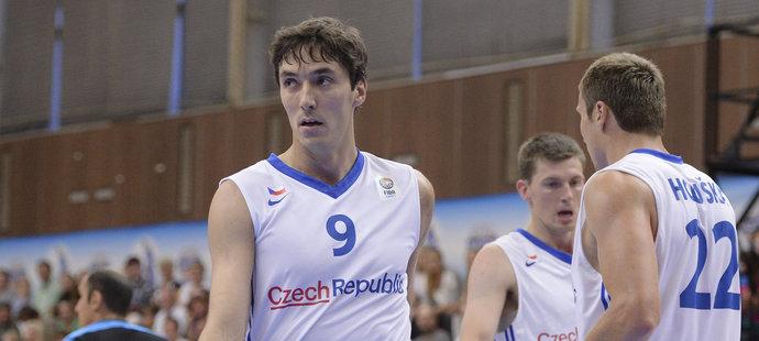 Basketbalistům stojí v cestě na olympiádu silné Srbsko (archivní foto)
