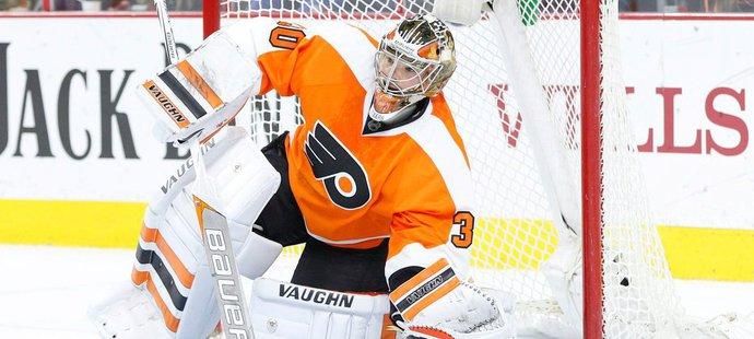Michal Neuvirth má za sebou jednu sezonu v barvách Philadelphie