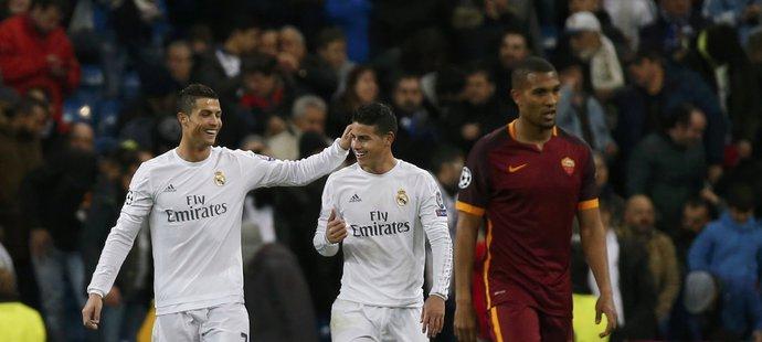 Spokojený Ronaldo s Jamesem po vstřelené brance