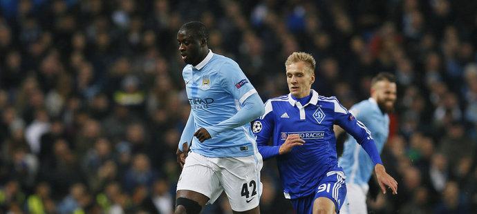Fotbalisté Manchesteru City hrají proti Dynamu Kyjev