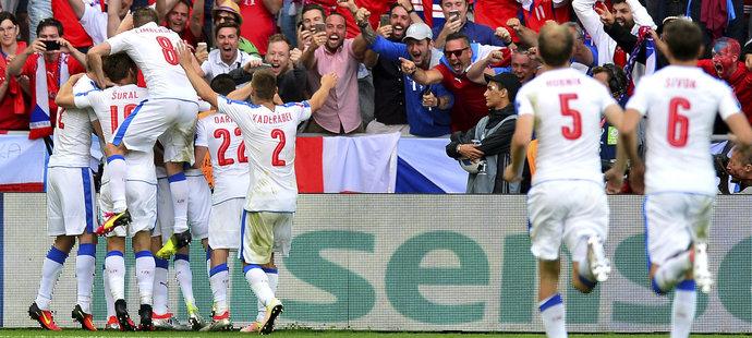 Čeští fotbalisté na mistrovství Evropy ve druhém utkání ve skupině remizovali s Chorvatskem 2:2
