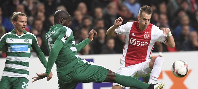 Václav Černý se objevil v základní sestavě Ajaxu Amsterdam při utkání s Panathinaikosem Atény