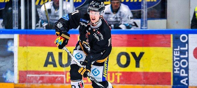 Jiří Tlustý za Oulu odehrál ve finské lize 14 zápasů, v nichž zaznamenal gól a čtyři asistence.