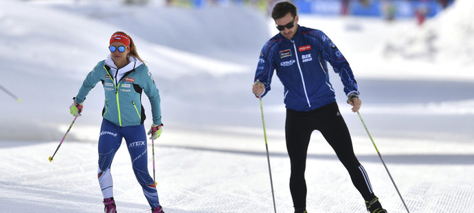 Koukalová se po stíhačce projela po tréninkové trati s manželem Petrem