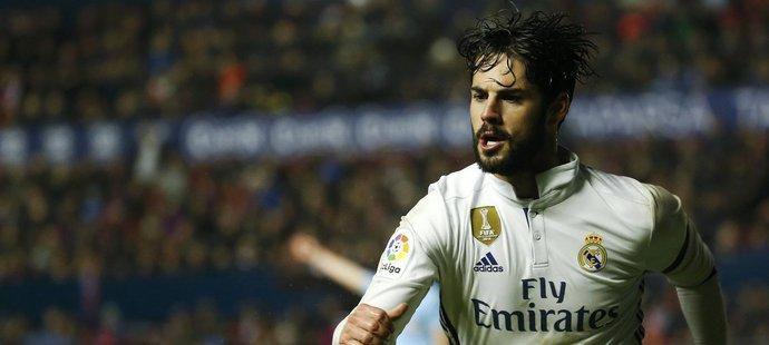 Španělský záložník Isco v dresu Realu Madrid