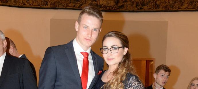 Jakub Jankto s partnerkou