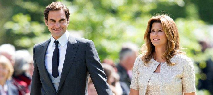 Tenista Roger Federer s manželkou Mirkou byli hosty na svatbě Pippy Middletonové, sestry vévodkyně Kate.