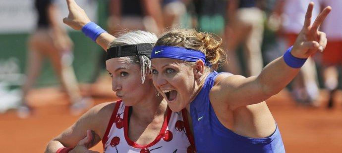 Grandslamový hattrick! Šafářová s Mattekovou jasně ovládly French Open