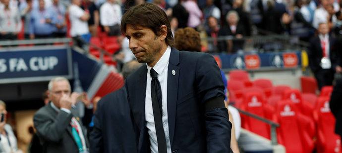 Zklamaný trenér Chelsea Antonio Conte