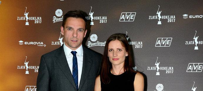 Radim Vrbata s manželkou na Zlaté hokejce