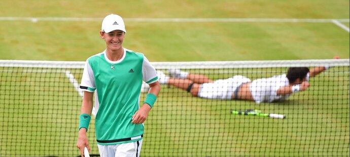 Mladý Korda pod dohledem táty řádí ve Wimbledonu: Mám Česko moc rád