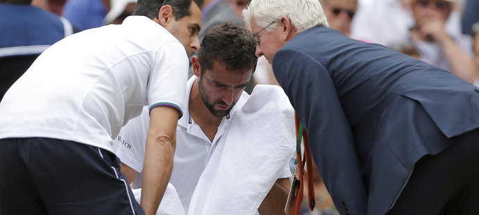 Marin Čilič měl během zápasu problémy s levým chodidlem