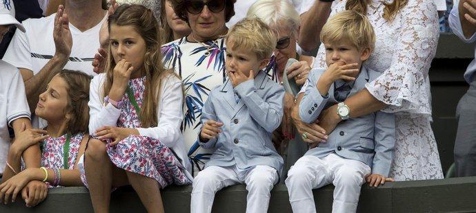 Osmý triumf Rogera Federera ve Wimbledonu sledovaly už všechny čtyři jeho děti