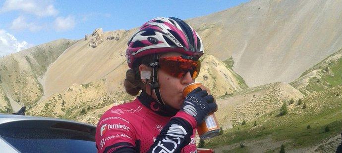 Nejlepší česká cyklistka Nikola Nosková se zúčastnila vloženého závodu žen s dojezdem na Col d'Izoard
