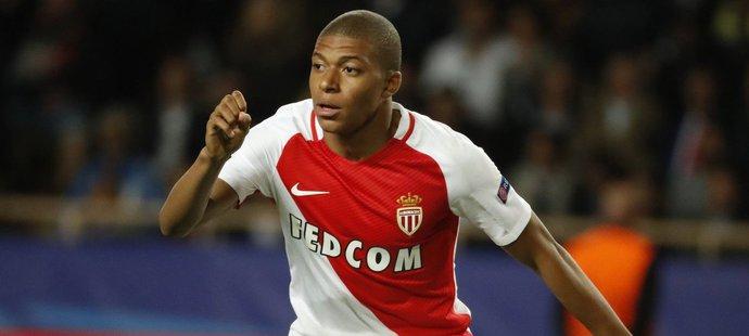 Kylian Mbappé v dresu Monaka