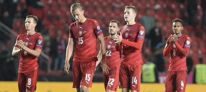 Zklamaní čeští fotbalisté po porážce s Německem, Vladimír Darida, Tomáš Souček a Jakub Jankto