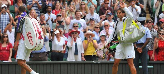 Rafael Nadal slaví vítězství nad Lukášem Rosolem ve Wimbledonu v roce 2014