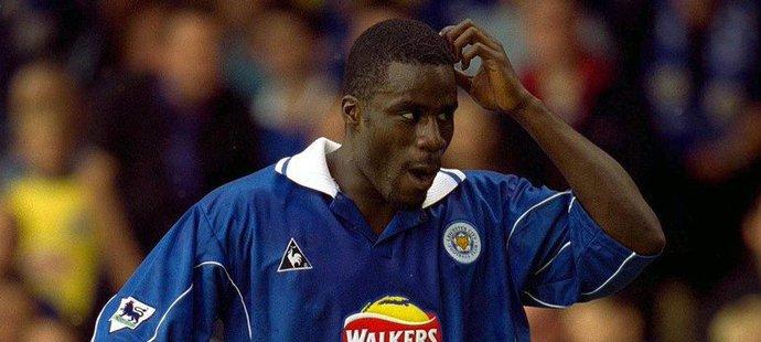 Ade Akinbiyi hrál Premier League za tři kluby, celkem vstřelil 11 gólů