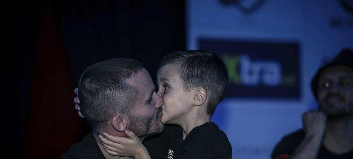 Kvůli svému synovi se Michal Hamršmíd vrátil na jeden zápas do klece