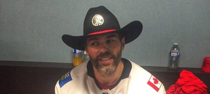 V kabině Calgary panuje po výhře dobrá nálada, u čehož nemůže chybět ani Jágr