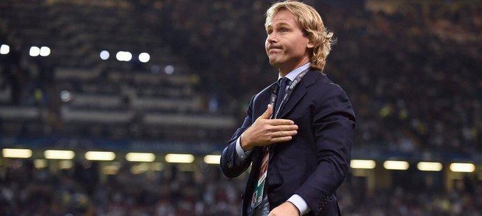 Pavel Nedvěd se po ukončení profesionální kariéry stal postupně ředitelem Juventusu a nyní vykonává funkci viceprezidenta