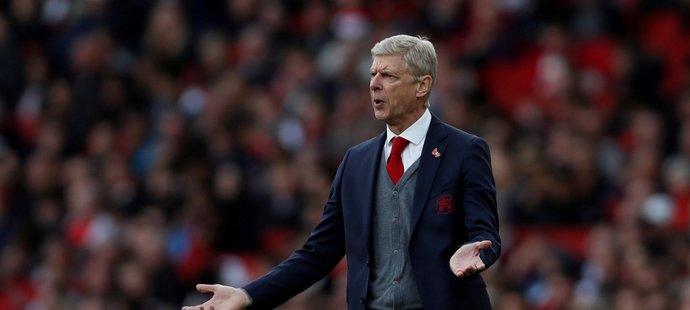 Trenér Arséne Wenger si výrokem o ropě rýpl do vedoucího Manchesteru City