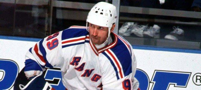 Wayne Gretzky k rekordům ani nepotřeboval hrát příliš dlouho, skončil v 38 letech