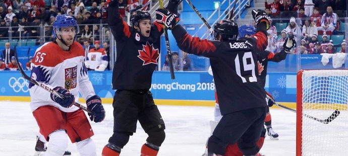 Kanadská radost po jedné ze dvou branek v první třetině