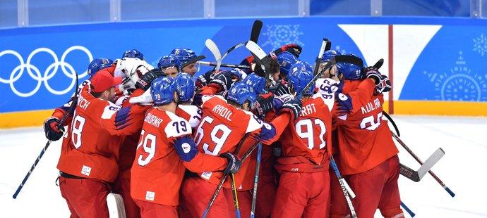 Euforická radost! Čeští hokejisté se po dvanácti letech podívají do semifinále ZOH