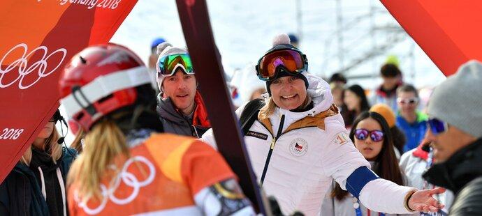 Rodiče Ester Ledecké našli s předsedou alpského úseku Ladislavem Forejtkem společnou řeč.