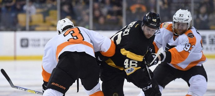 NHL ONLINE: Krejčí proti Voráčkovi. Chytí se Boston i bez Pastrňáka?