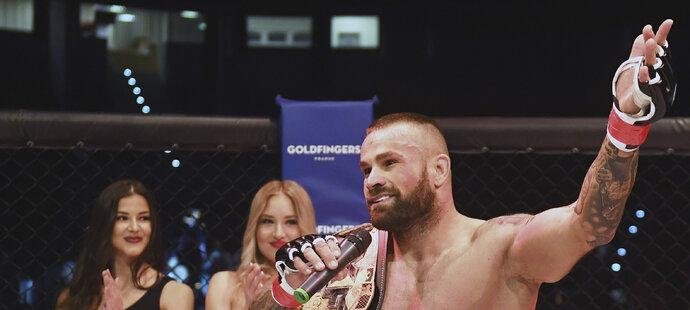 Karlos Vémola je nejznámějším českým bojovníkem MMA