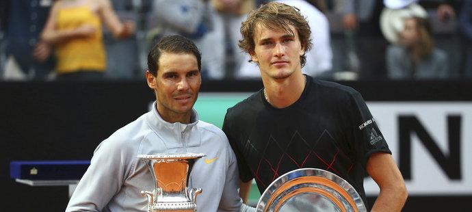 Rafael Nadal a Alexander Zverev po finálovém utkání