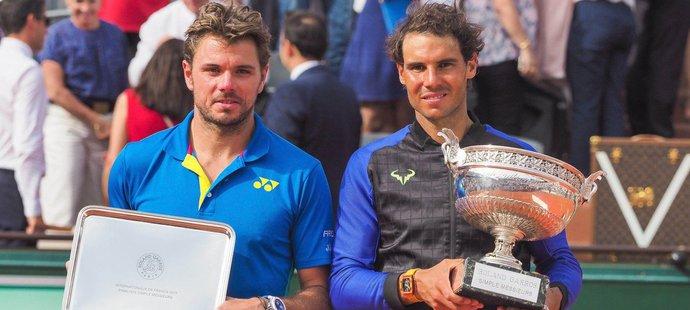 Rafael Nadal a Stan Wawrinka po finálovém zápase French Open v roce 2017