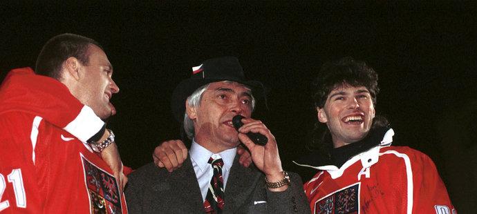 Jaromír Jágr s Ivanem Hlinkou a Robertem Reichlem po návratu z Nagana