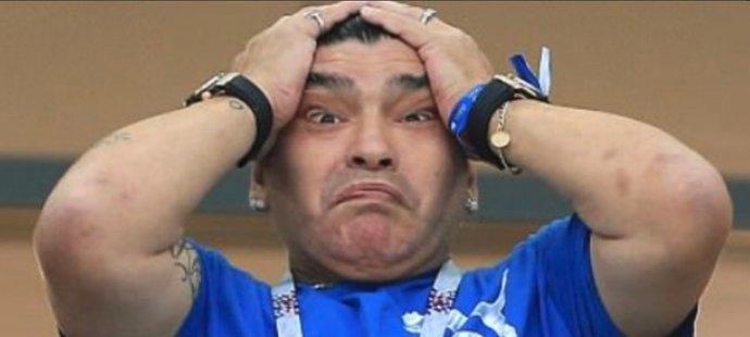 Totální zmar. Maradona nevěřil svým očím.