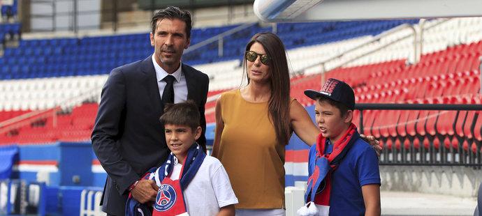 Buffon se syny, které má se Šeredovou a jejich macechou