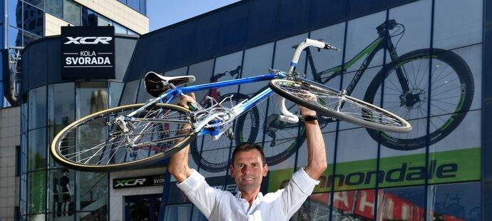 Ján Svorada odpovídal ONLINE: Vymazání Armstronga bylo ...