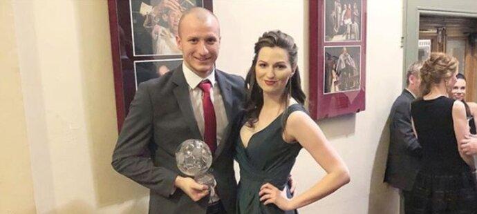 Plzeňský střelec Michal Krmenčík s manželkou Denisou