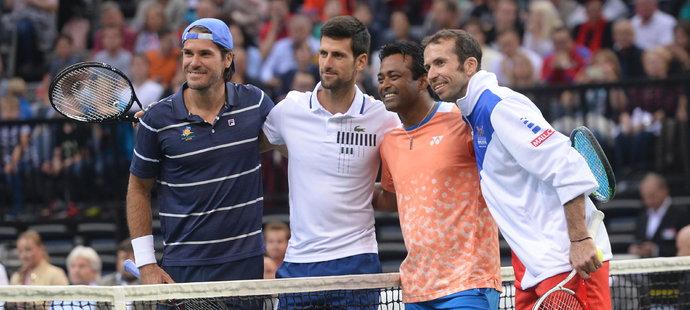 """Tommy Haas, Novak Djokovič a proti nim """"bráchové"""" Leander Paes a Radek Štěpánek jdou hrát exhibiční čtyřhru"""