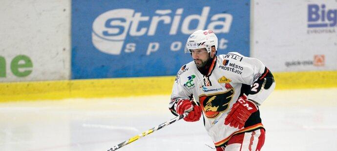 Tomáš Divíšek završil kariéru v Prostějově. Ten se s ním rozloučil, pak ho vyhodil...